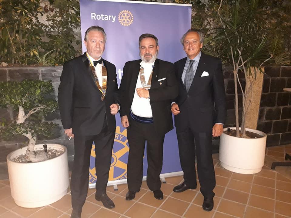 Cambio de Collares del Rotary Alicante