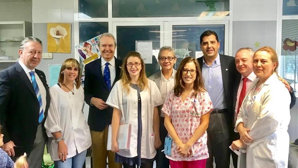 El Gobernador del D2203 con los Súper Niños