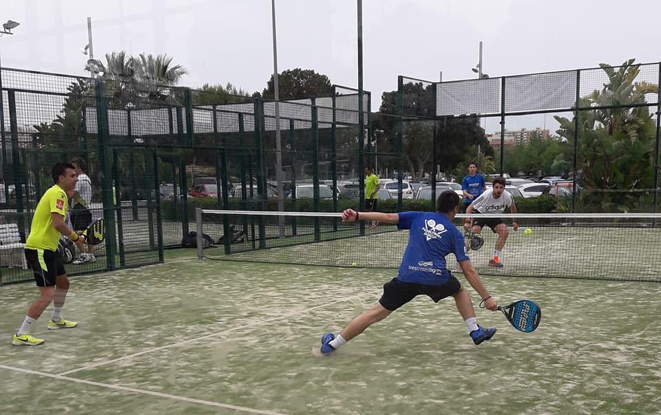 Seguimos «jugando» en el V Torneo Benéfico de Pádel …