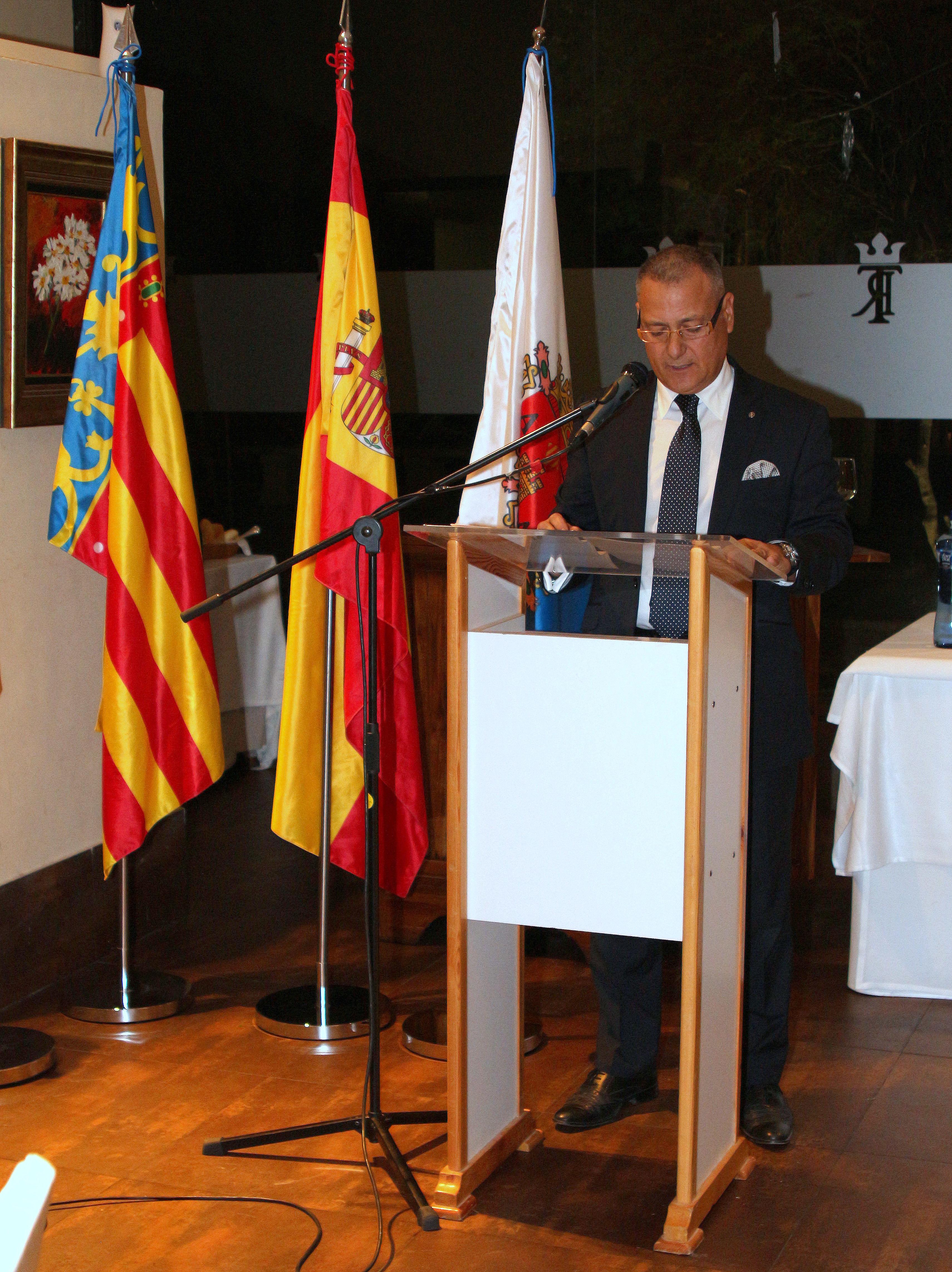 Acto de instalación de José Navarro, nuevo socio del Rotary Club ACB
