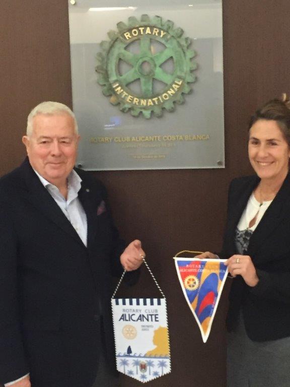 Visita de Pedro Romero, presidente del Rotary Club Alicante
