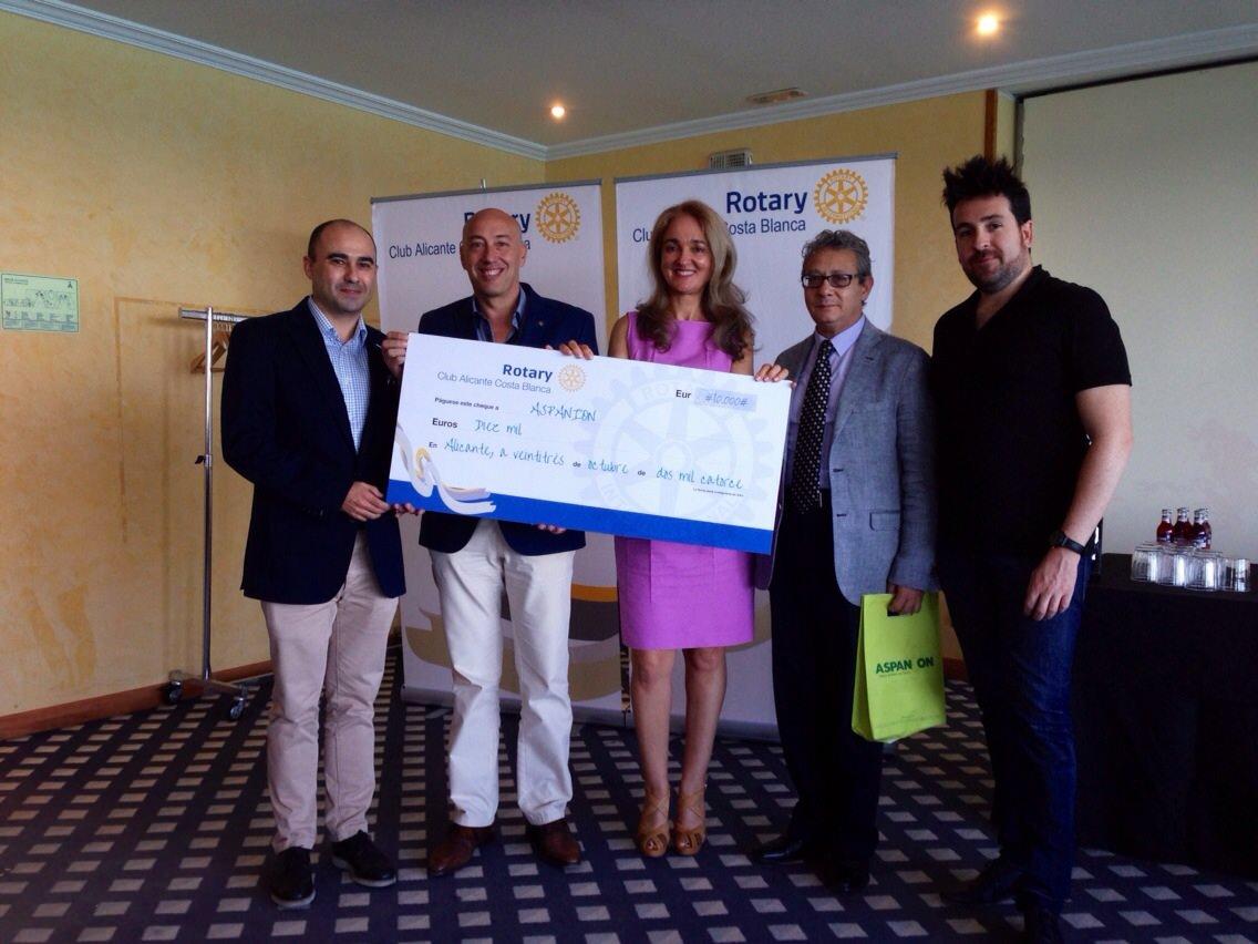 Entrega de los 10.000€ a Aspanion – 23 de oct. 2014
