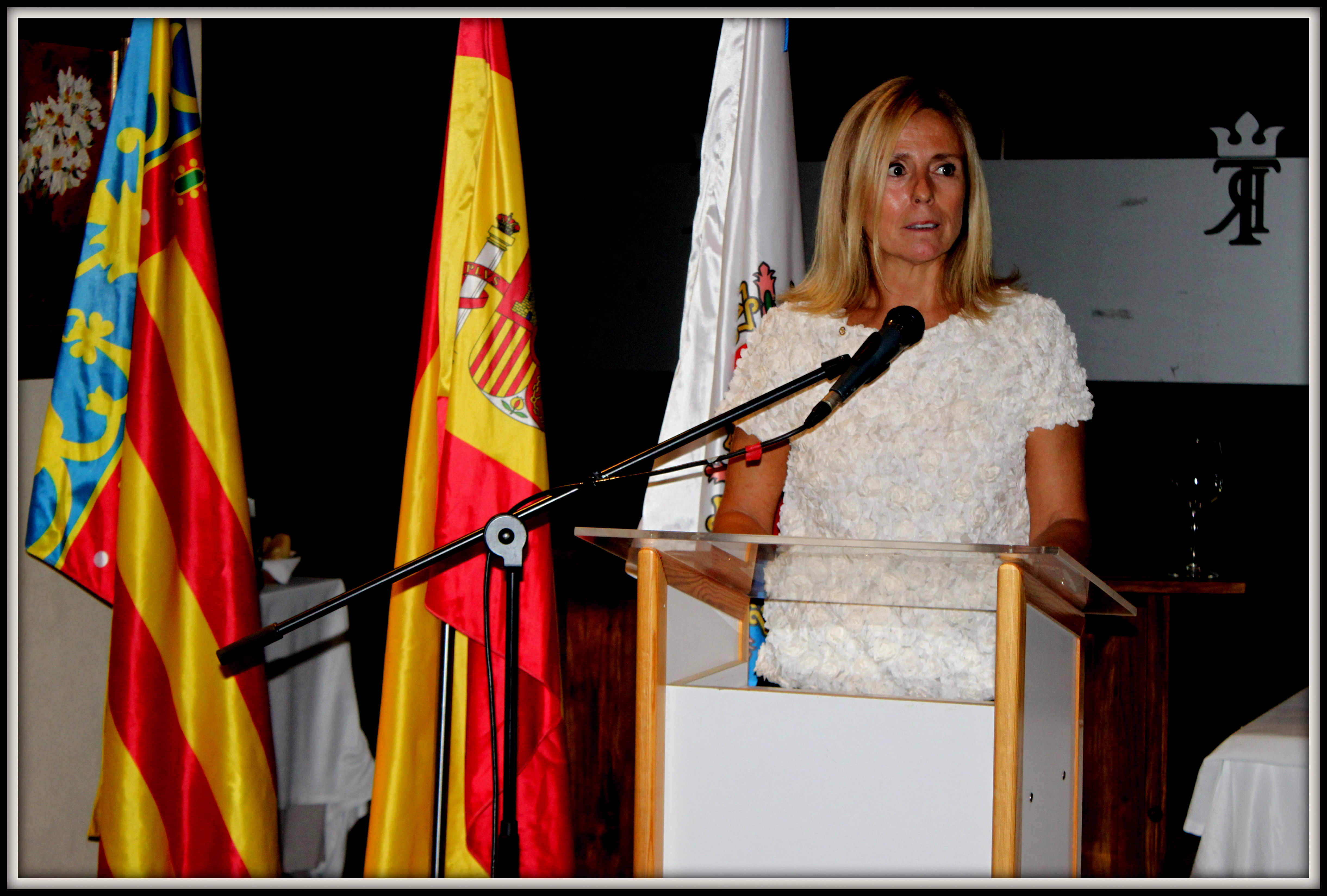 Acto de instalación de Ana Vallejo, nueva socia del Rotary Club ACB