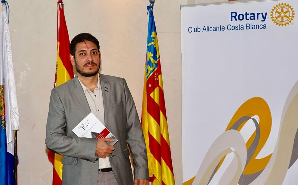 Conferencia de Guillermo Roz, escritor argentino